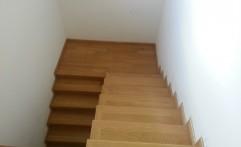 Scara interioara de lemn